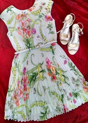 Изумительное платье плиссе