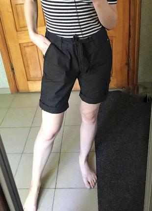 Стильние шорты с накладными карманами 100% котон