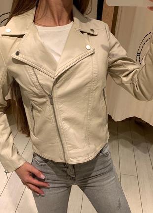 Бежевая куртка косуха house есть размеры