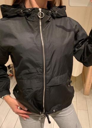 Чёрная ветровка куртка house есть размеры