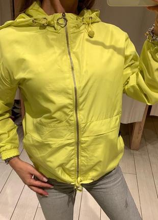 Салатовая лёгкая куртка ветровка house есть размеры