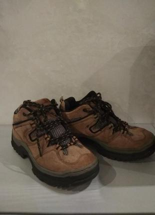 Трекинговые ботинки, высокие кроссовки trespass