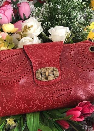 Стильная сумочка-клатч из натуральной кожи.1 фото