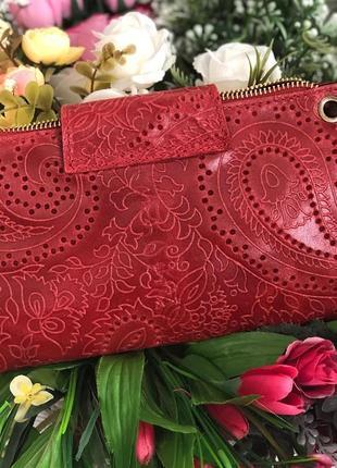 Стильная сумочка-клатч из натуральной кожи.2 фото