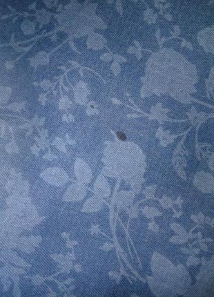 Джинсы с цветочным принтом / голубые / стрейчевые7 фото