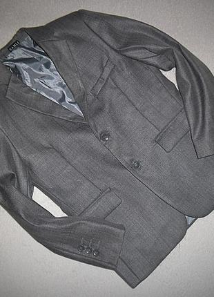 Пиджак samli на 8 лет.