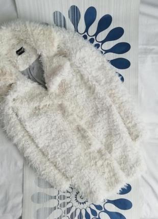 Белая плюшевая шуба удлинённая барашек искусственная