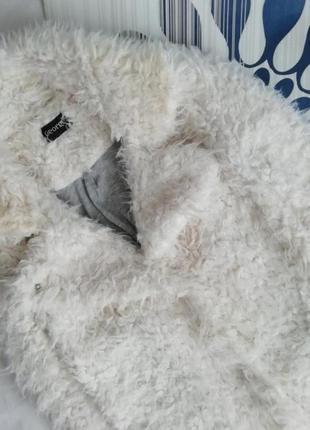 Белая плюшевая шуба удлинённая барашек искусственная2 фото