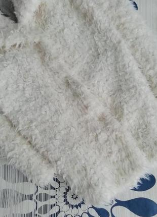 Белая плюшевая шуба удлинённая барашек искусственная3 фото