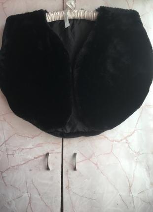 Модная меховая безрукавка1 фото