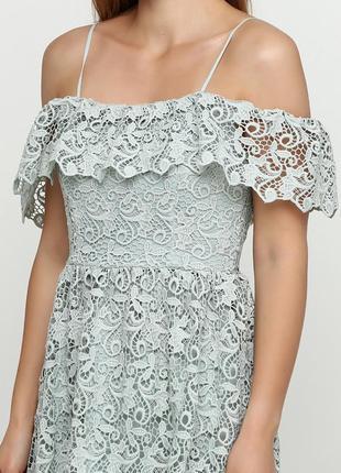 Красивое кружевное платье миди h&m с  открытыми плечиками4 фото