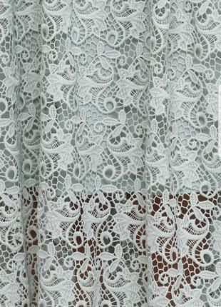 Красивое кружевное платье миди h&m с  открытыми плечиками3 фото