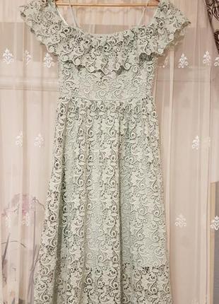 Красивое кружевное платье миди h&m с  открытыми плечиками5 фото