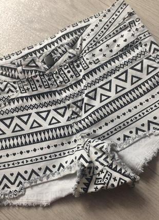 Шорты джинсовые в геометричный принт1 фото