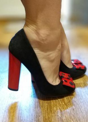 Продам очень крутые туфли на каблуке stella marco