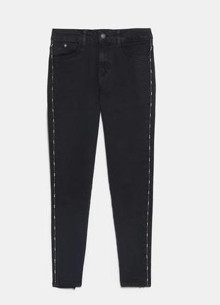 Чёрные джинсы скинни с лампасами с бусинами  zara3 фото