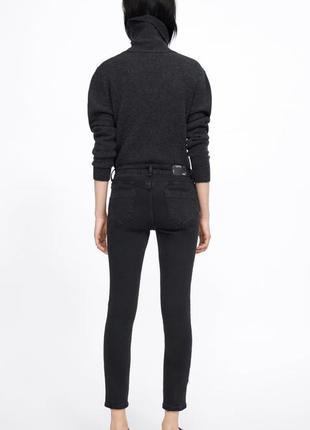 Чёрные джинсы скинни с лампасами с бусинами  zara4 фото