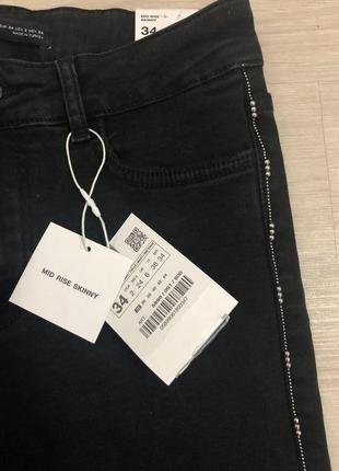 Чёрные джинсы скинни с лампасами с бусинами  zara9 фото