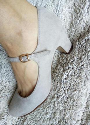 Бежеві туфлі замш від graceland3 фото