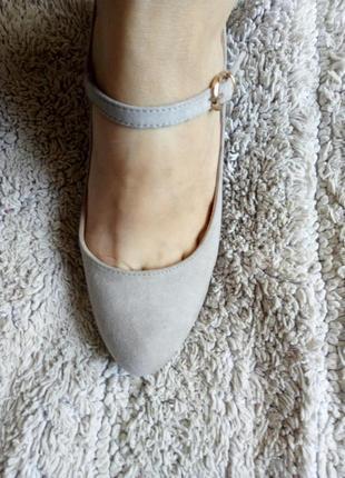 Бежеві туфлі замш від graceland4 фото