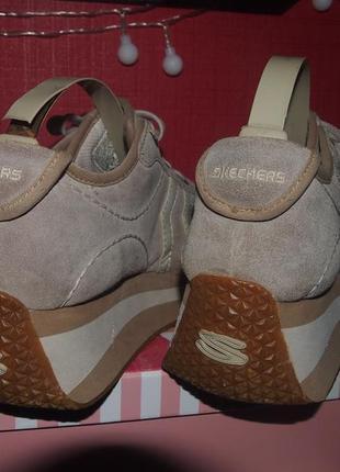 Актуальные кроссовки на платформе