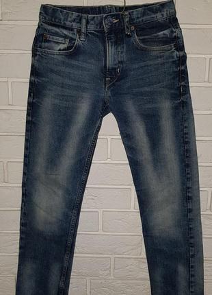 Стильные джинсы на мальчика
