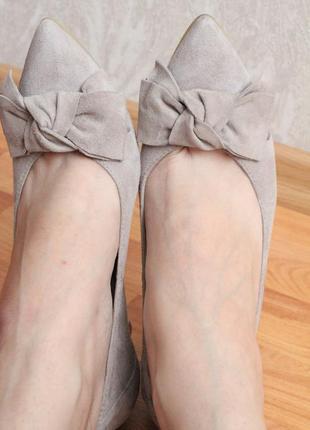 Бежевые замшевые туфли 37 37.5 размер натур.замша туфли с бантом2 фото