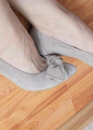 Бежевые замшевые туфли 37 37.5 размер натур.замша туфли с бантом4 фото