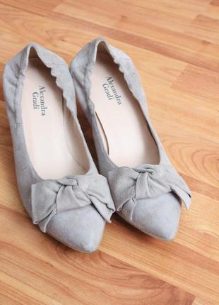 Бежевые замшевые туфли 37 37.5 размер натур.замша туфли с бантом3 фото