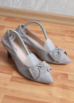 Бежевые замшевые туфли 37 37.5 размер натур.замша туфли с бантом1 фото