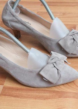 Бежевые замшевые туфли 37 37.5 размер натур.замша туфли с бантом6 фото