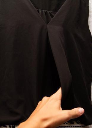 Мини платье с узкой юбкой и свободным верхом.5 фото