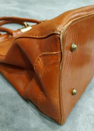 Трендовая кожаная сумка8 фото