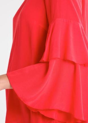 Блуза красного цвета с воланами на рукавах и красивой спинкой5 фото
