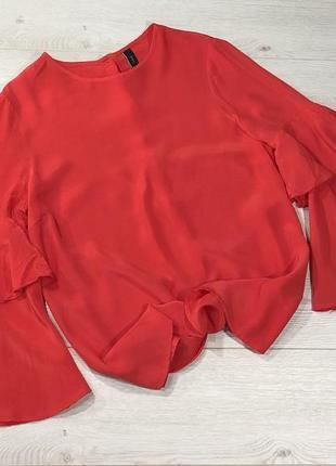 Блуза красного цвета с воланами на рукавах и красивой спинкой1 фото