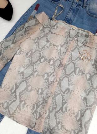 Красивая блуза с открытыми плечами3 фото