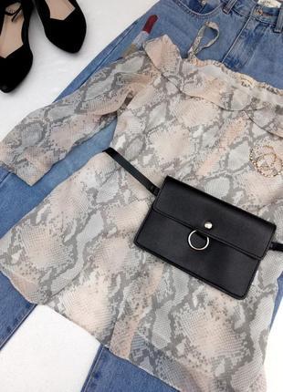 Красивая блуза с открытыми плечами1 фото