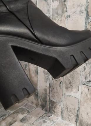 Зимние кожаные сапоги на тракторной подошве3 фото