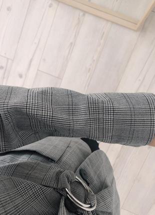 Актуальный пиджак в клетку bershka3 фото
