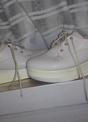 Удобные туфли на шнурках2 фото