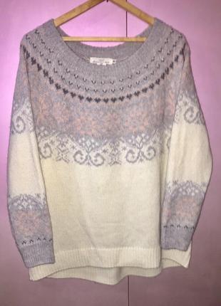 Белый вязаный свитер с серо- розовым орнаментом1 фото
