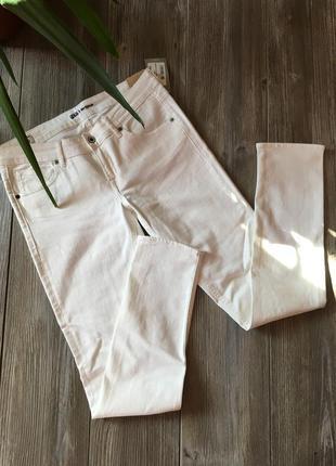Белые джинсы gsus1 фото