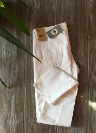Белые джинсы gsus3 фото