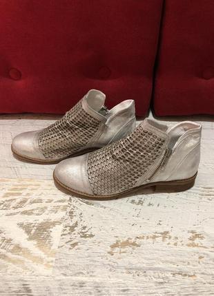 Кожаные натуральные ботинки3 фото