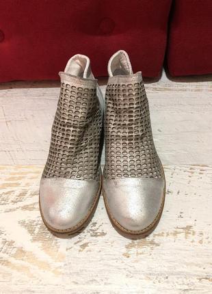 Кожаные натуральные ботинки2 фото