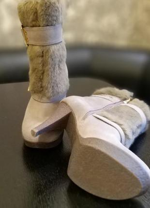 Продам крутые демисезонные ботинки на каблуке guess оригинал3 фото
