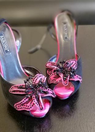 Продам крутые босоножки на каблуке basconi2 фото
