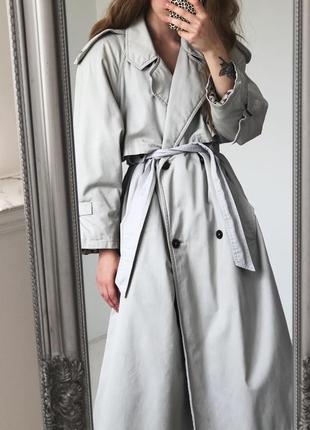 Теплый пастельно серый тренч на теплой  подкладке