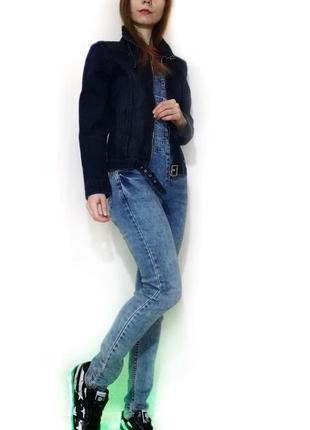 Куртка джинсовая синея ветровка летняя легкая короткая на молнии7 фото