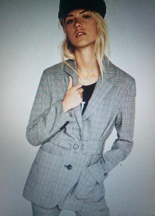 Актуальный пиджак в клетку bershka1 фото